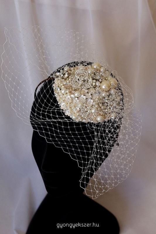 Esküvői fejdísz gyöngyből